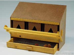 Nesting Box, 3 compartment, large, wooden, flat roof